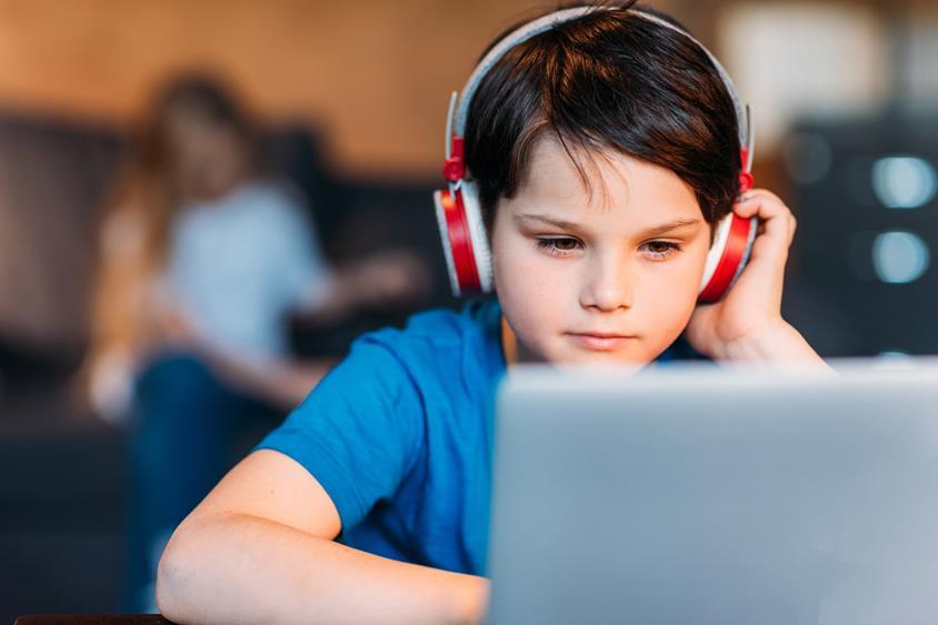 Uwolnienie-dziecka-od-komputera